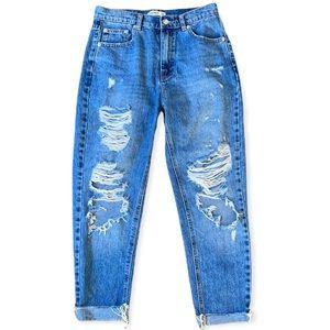 PULL & BEAR | Distressed Mom jeans in Medium Blue